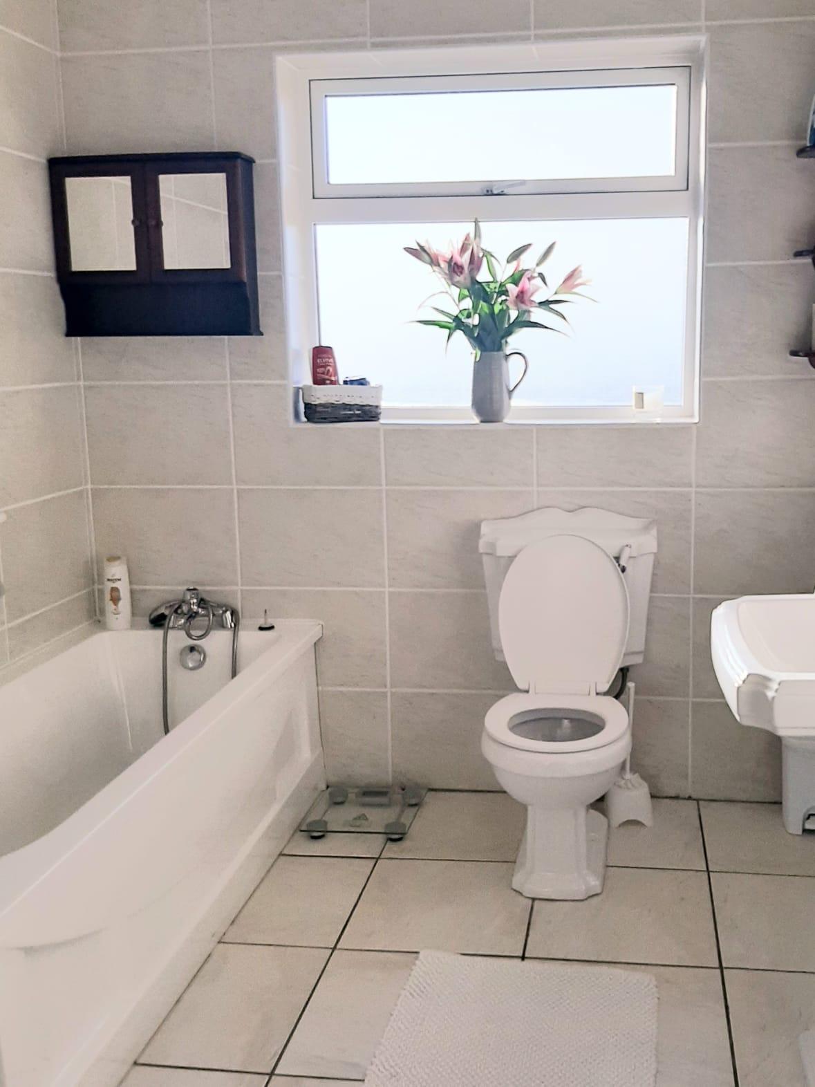Hilltop B&B Bathroom