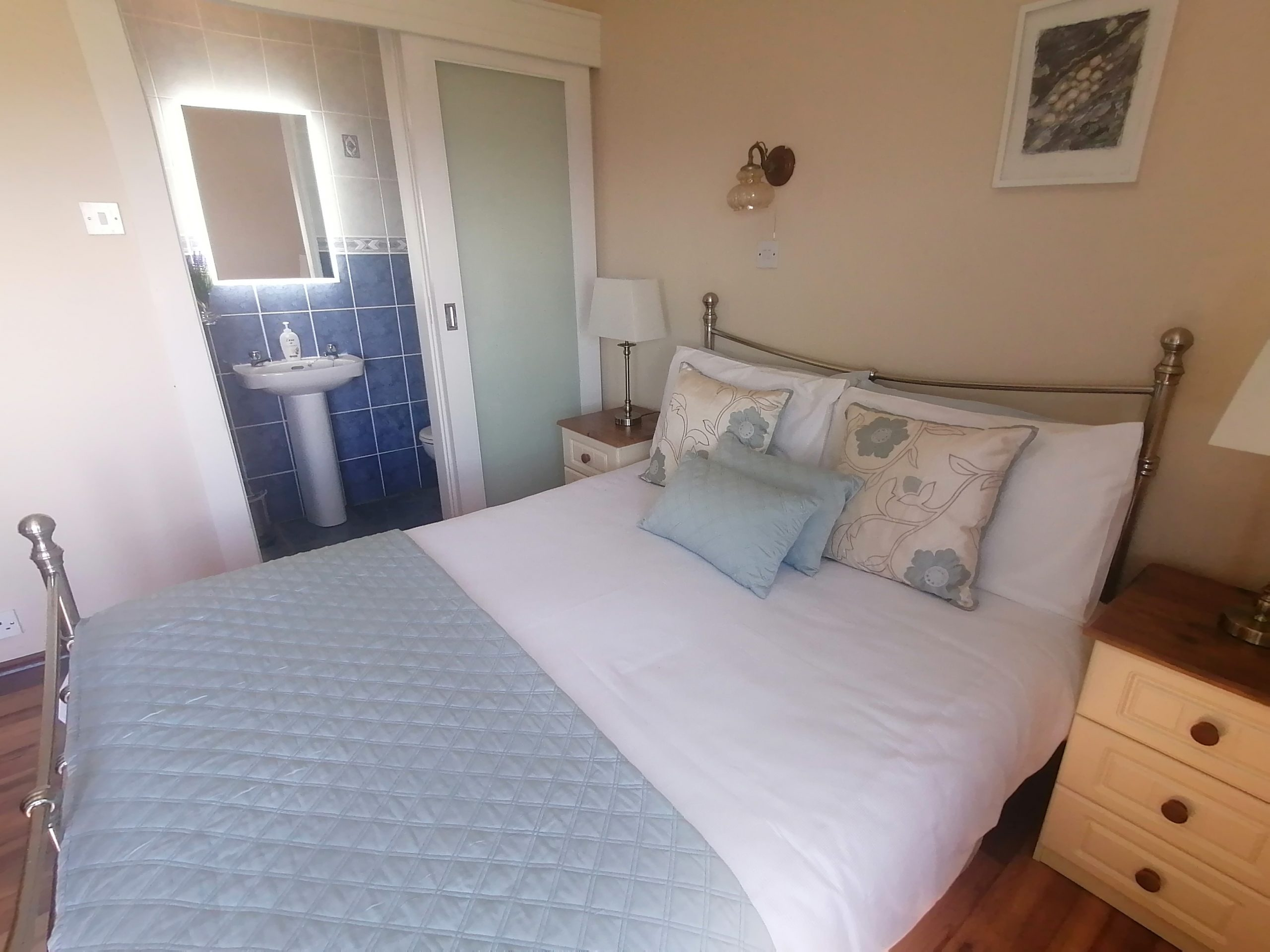 Hilltop B&B Accommodation – deluxe room view
